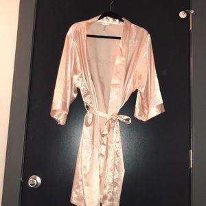 Silk Peachy-Pink Bridesmaids Robe